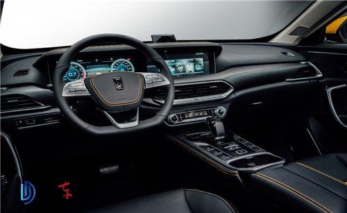 """0互联系统配合3d全息影像的""""全息智控系统"""",使它成为一种汽车新物种—"""